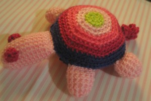 TDN – Petite tortue au crochet – DROPS