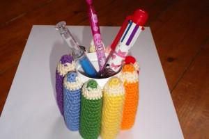 Votre travail – Un pot à crayons arc-en-ciel