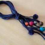 TDN – Collier en laine et perles en tissu – Madmoizelle