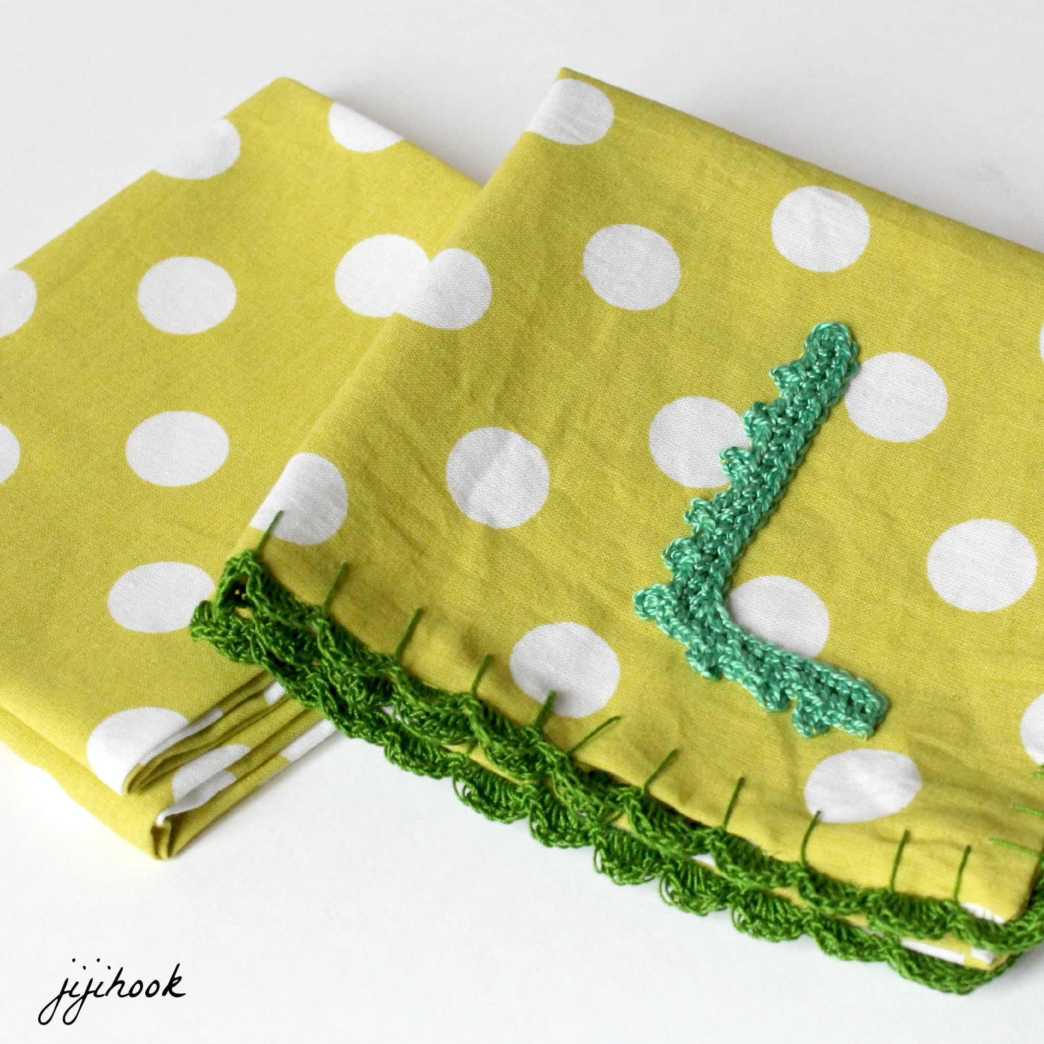 Serviettes de table avec du crochet jiji hook - Serviette de table tissu ikea ...